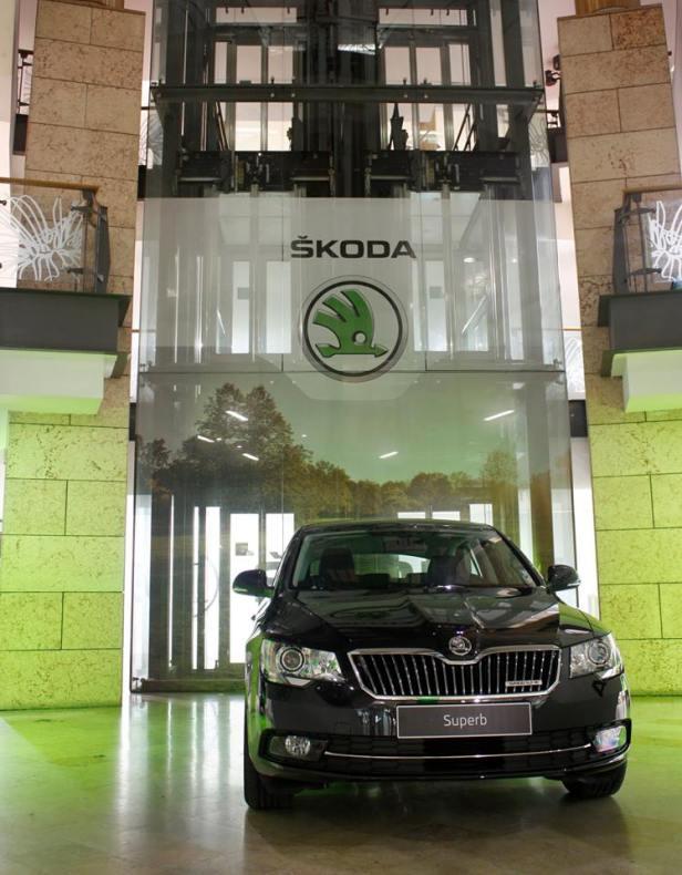 Decoração de stand expositivo da Skoda.